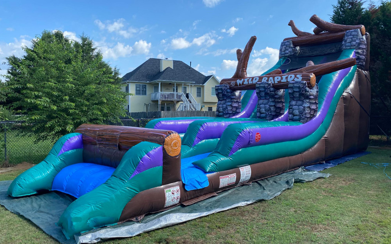 Wild Rapids Wet dry inflatable water slide